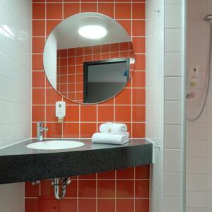 2 sterrenhotel München - badkamer