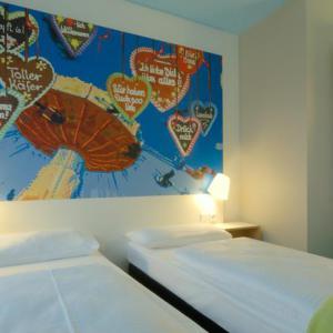 2 sterrenhotel München - slaapkamer